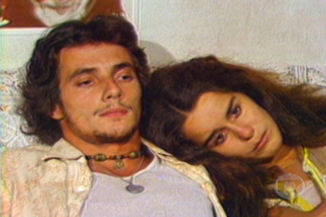 Em 1978, DomingosOliveira participou da sérieCiranda Cirandinha. Ele era o responsável pela equipe de criação do programa e chegou a dirigir um dos episódios. Confira o webdoc sobre a série