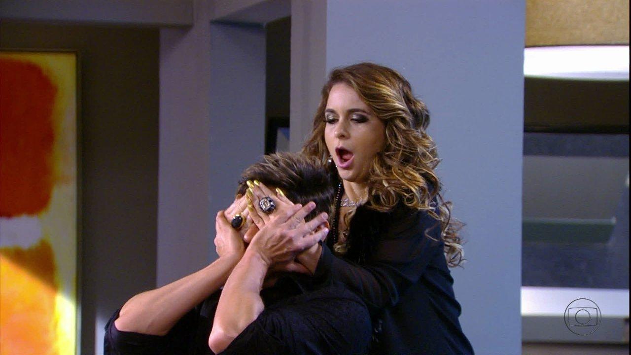 Cheias de charme - Capítulo de quinta-feira, dia 13/09/2012, na íntegra - Inácio encontra Chayene em seu quarto