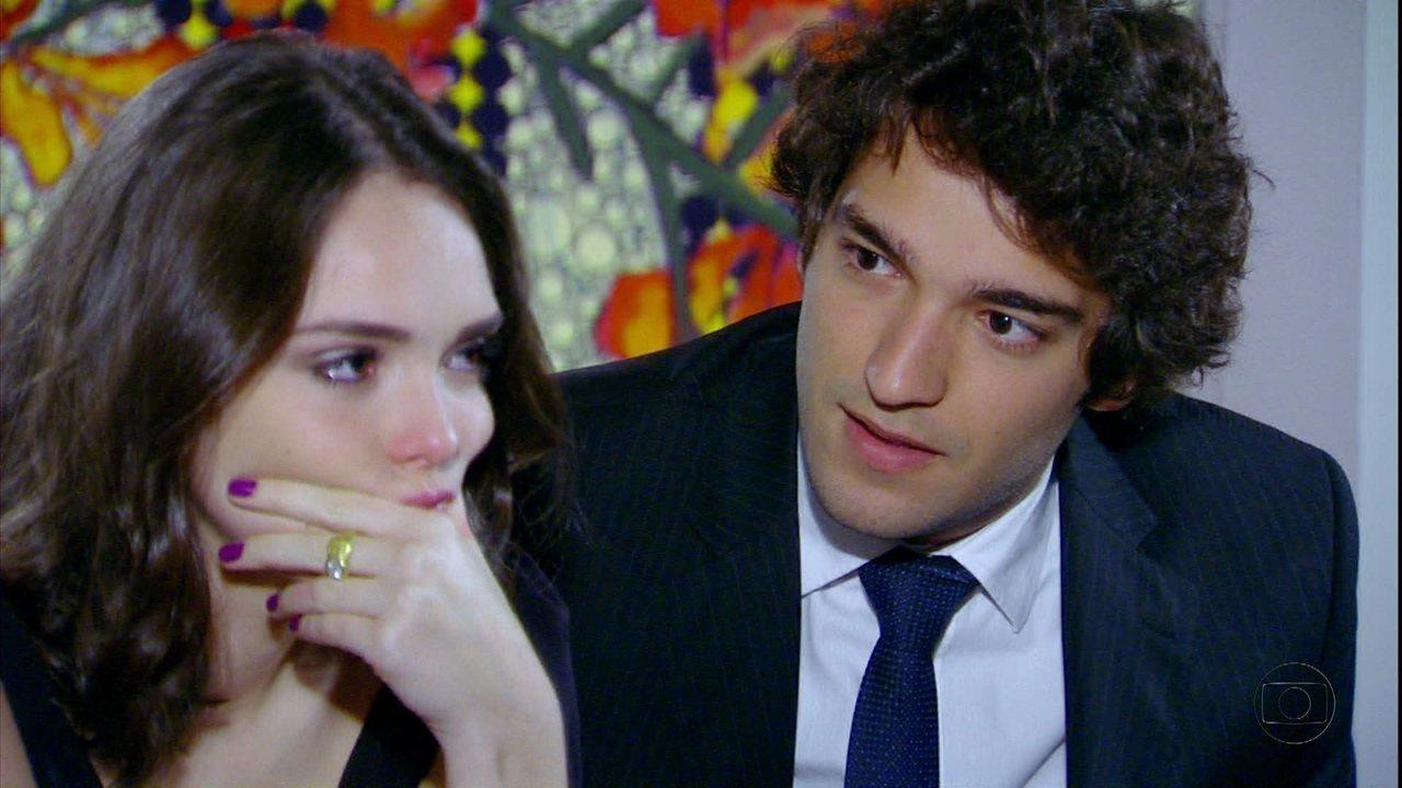 Cheias de Charme - Capítulo de segunda-feira, dia 17/09/2012, na íntegra - Elano revela para Cida que Sarmento quer dar um golpe nela