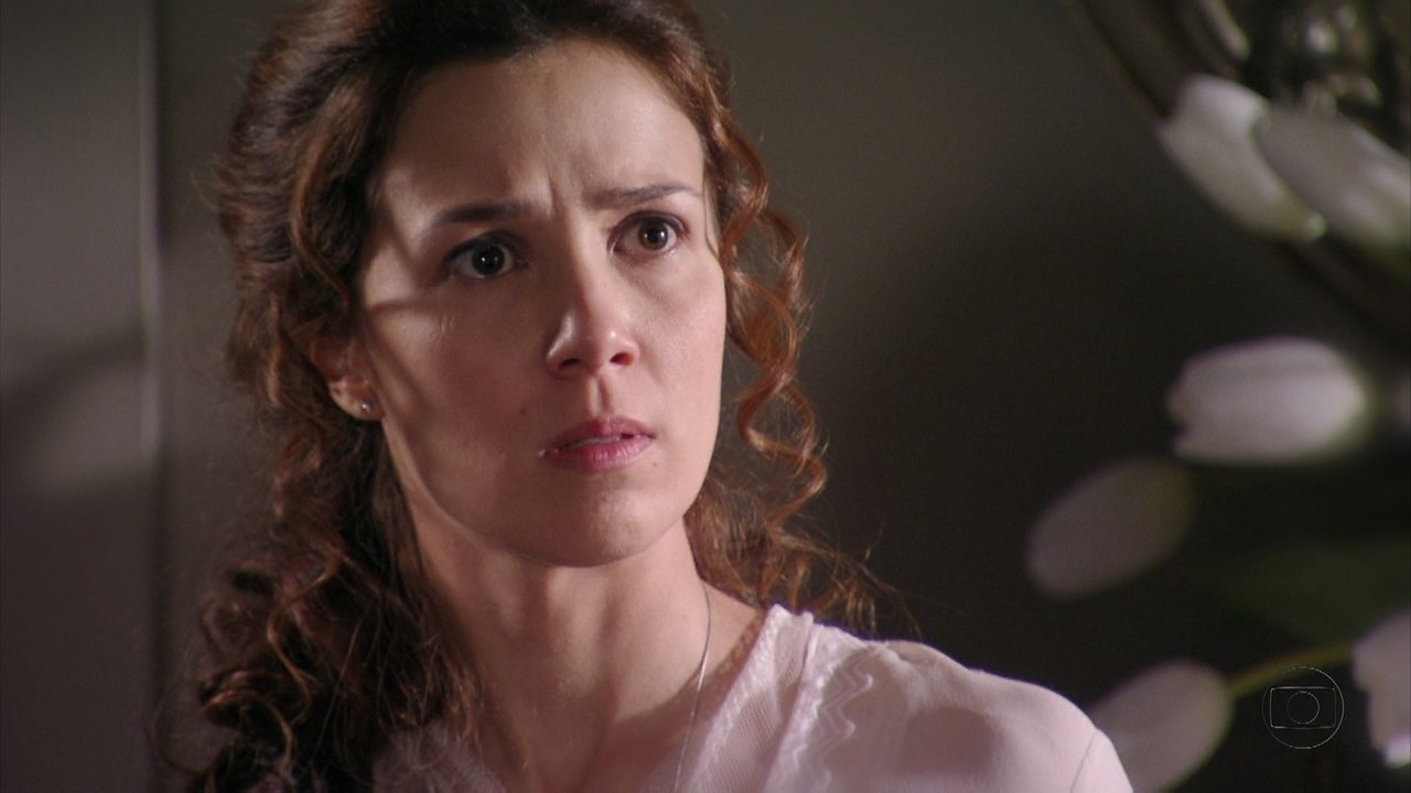 Lado a Lado - capítulo de quinta-feira, dia 01/11/2012, na íntegra - Laura flagra Edgar e Catarina em sua casa. Albertinho diz a Assunção que aceita ir para o exército