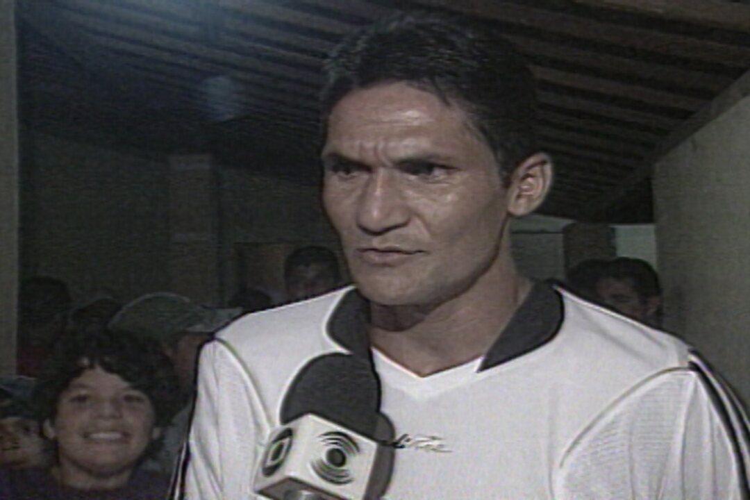 Durval do Santos é convocado pela primeira vez para a Seleção Brasileira