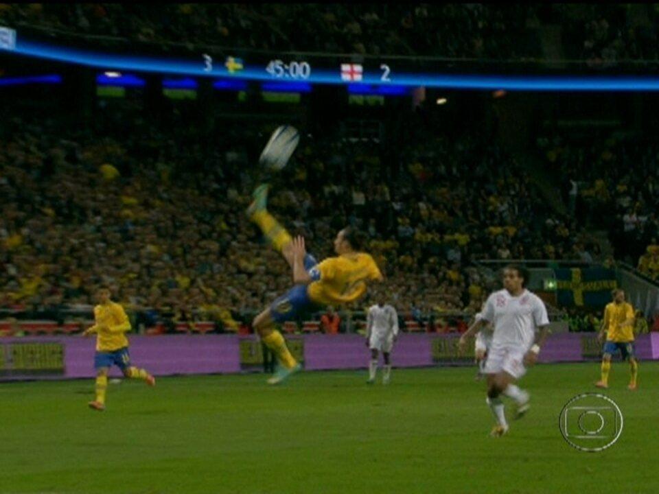 Ibrahimovic marca um golaço no vitória da Suécia contra a Inglaterra por 4 a 2 em amistoso