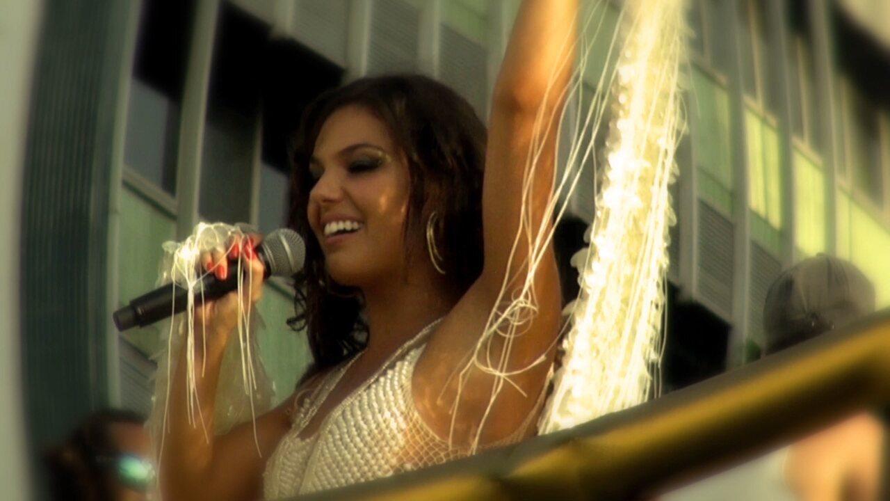 """""""No Ouvido da Sereia"""" é o mais novo hit da cantora da diva do axé. Confira clipe"""