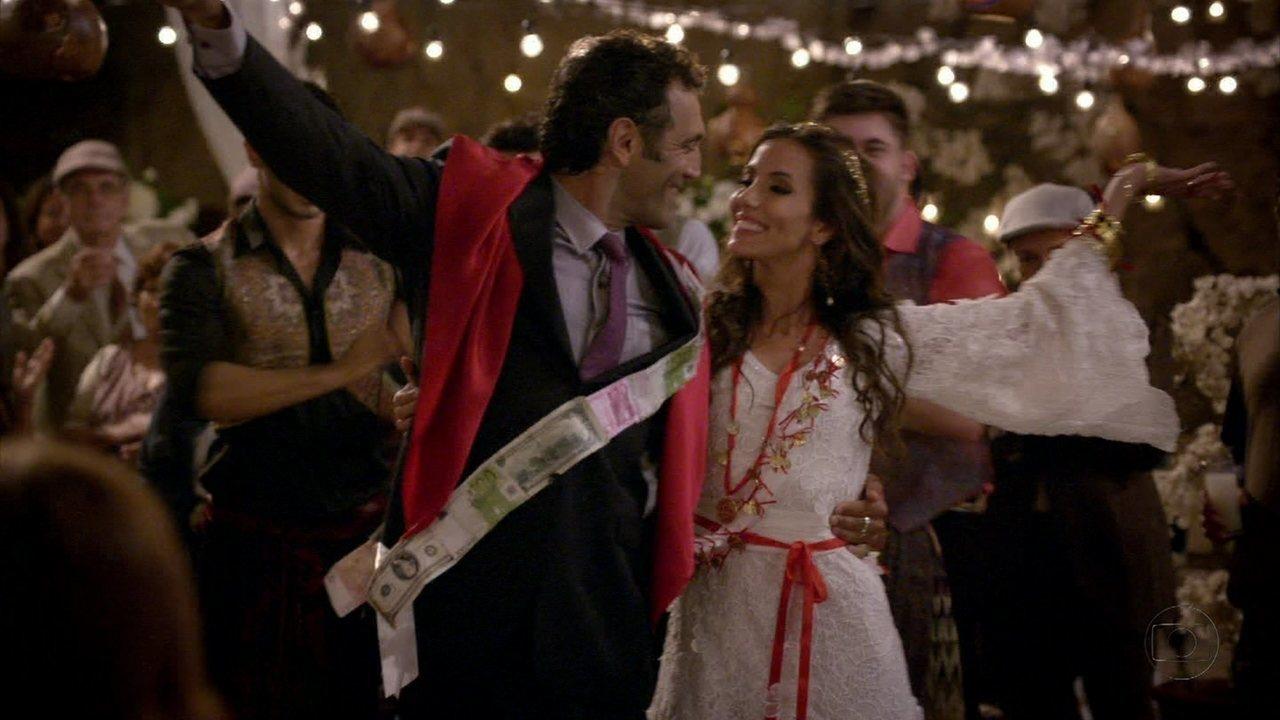 Zyah e Ayla se casam