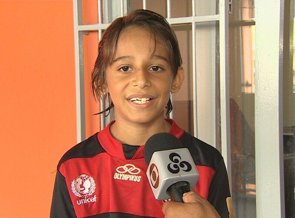 Werton, com nove anos, mal sabia que um dia treinaria com o elenco profissional do Flamengo