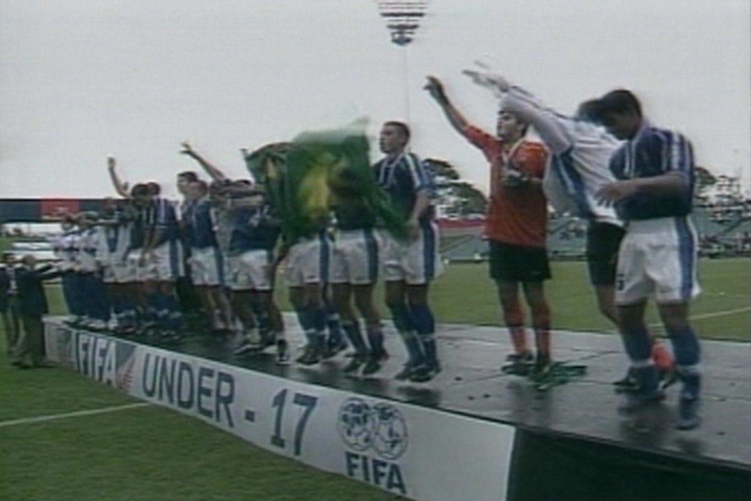 Em 1999, Brasil empata sem gols com Austrália, vence nos penais e é campeão mundial sub-17