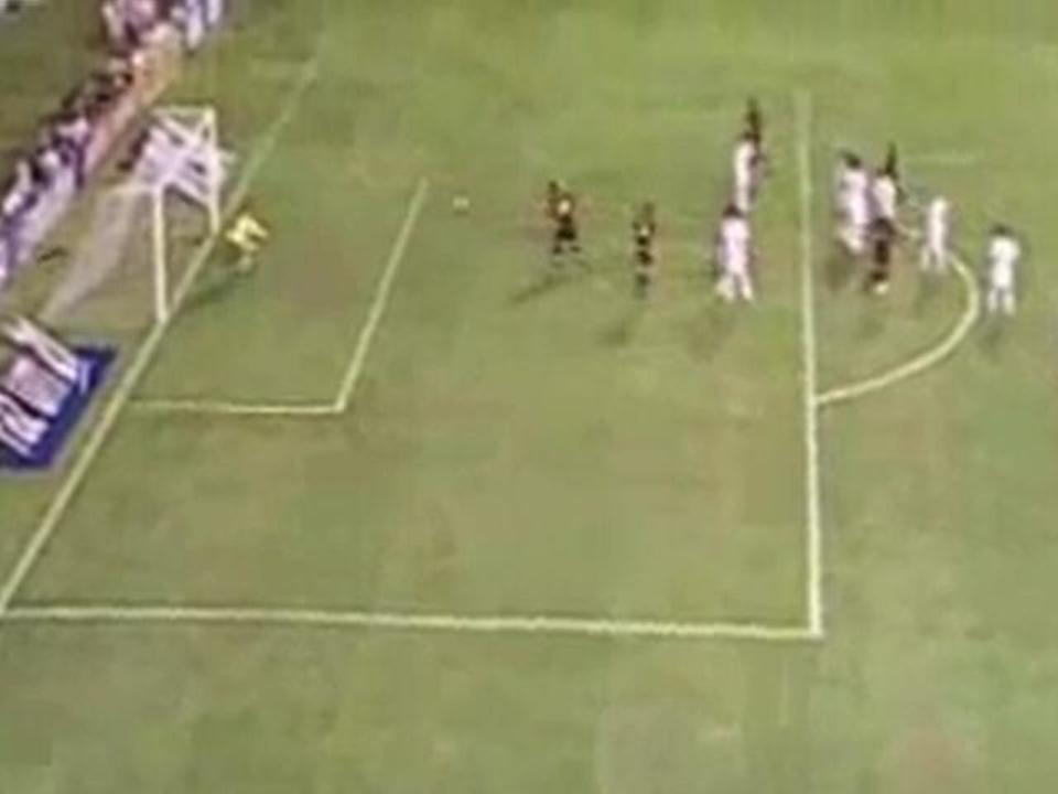 Gol de Durval contra o Internacional, pela volta das quartas da Copa do Brasil 2008