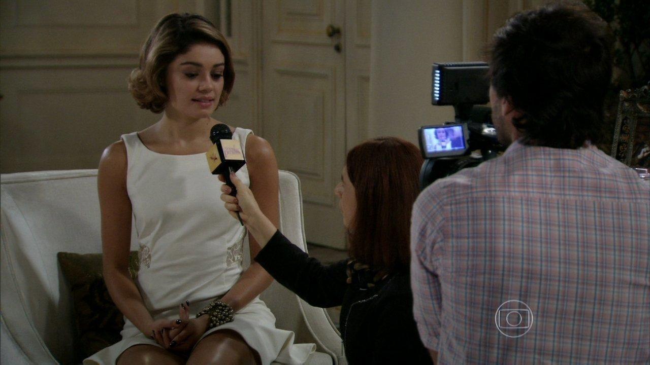 Sangue Bom - Capítulo de quinta-feira, dia 01/08/2013, na íntegra - Amora anuncia na TV que vai abandonar sua carreira