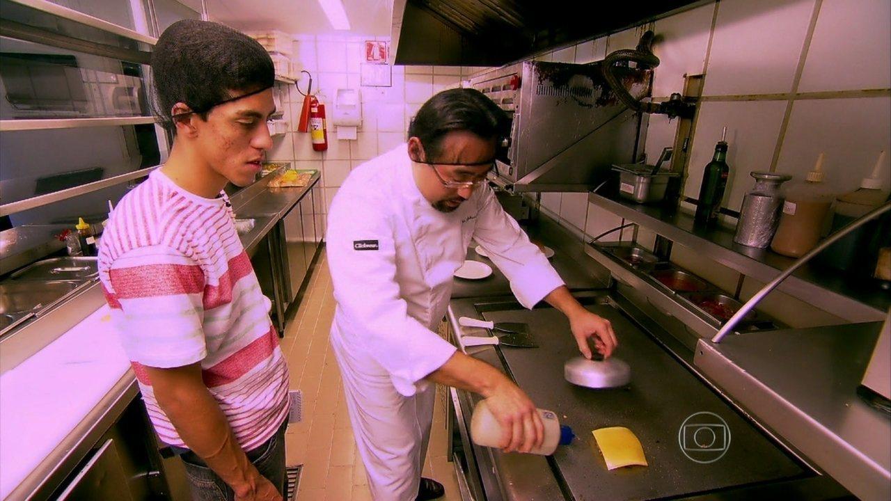 Caldeir o do huck du recebe a ajuda do super chef jun - Super chef 2000 ...