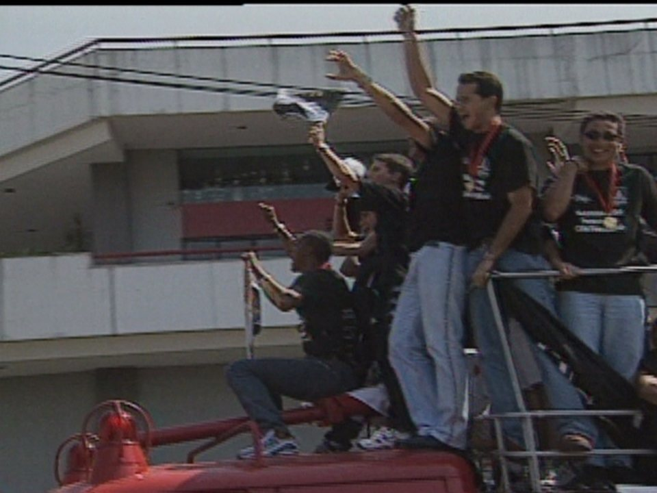 Em 1998, Vasco volta ao Rio após conquistar Taça Libertadores da América