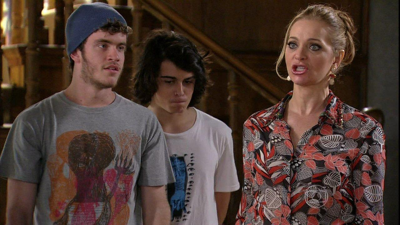 Malhação - Capítulo de segunda-feira, dia 04/11/2013, na íntegra - Sidney assume a culpa pelo estrago da casa após festa