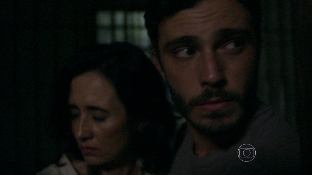 Além do Horizonte - capítulo de sexta-feira, dia 27/12/2013, na íntegra - William, Lili e Nilson tiram Berenice da cadeia na hora do blecaute