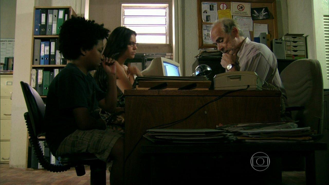 Além do Horizonte - Capítulo de terça-feira, 31/12/2013, na íntegra - Celina denuncia o sumiço de Berenice