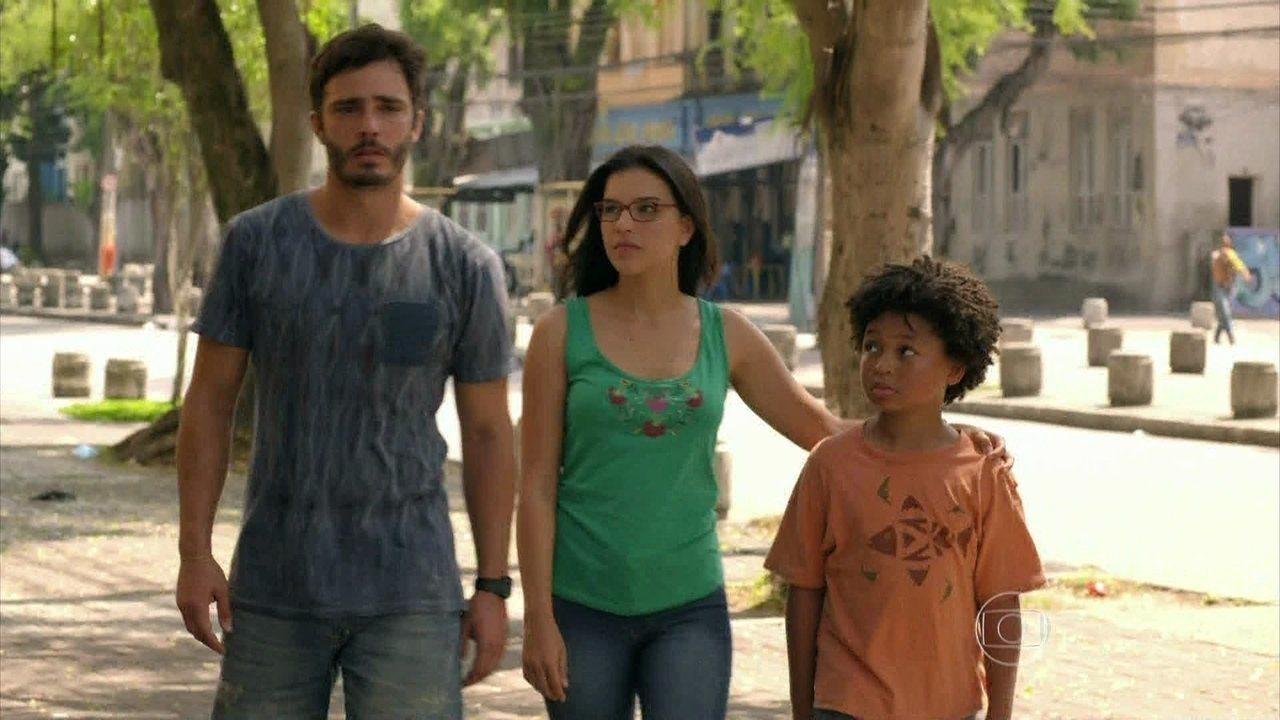 Além do Horizonte - capítulo de segunda-feira, dia 27/01/2014, na íntegra - William chega em casa com Celina e Nilson