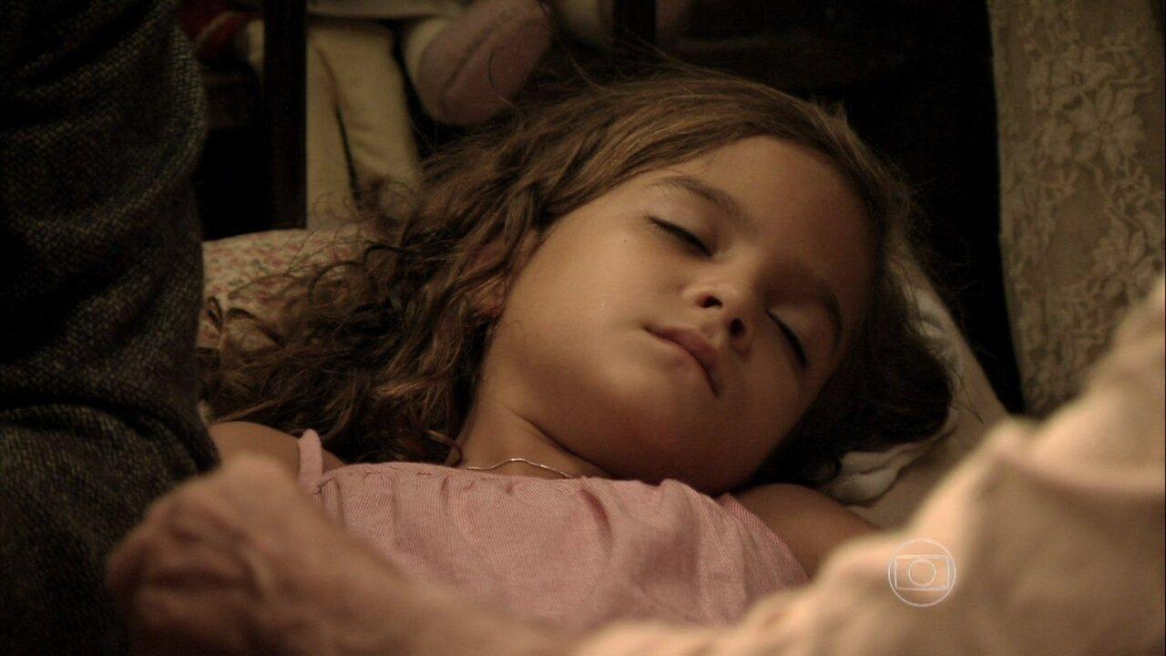 Joia Rara - capítulo de sexta feira, dia 07/03/2014, na íntegra - Pérola fica doente de tristeza