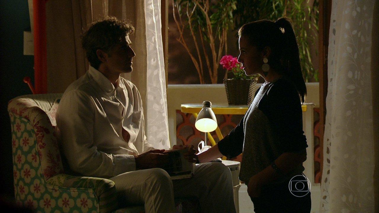 Em Família - Capítulo de sexta-feira, dia 09/05/2014, na íntegra - Cadu quer saber se Clara ficou com ele por amor