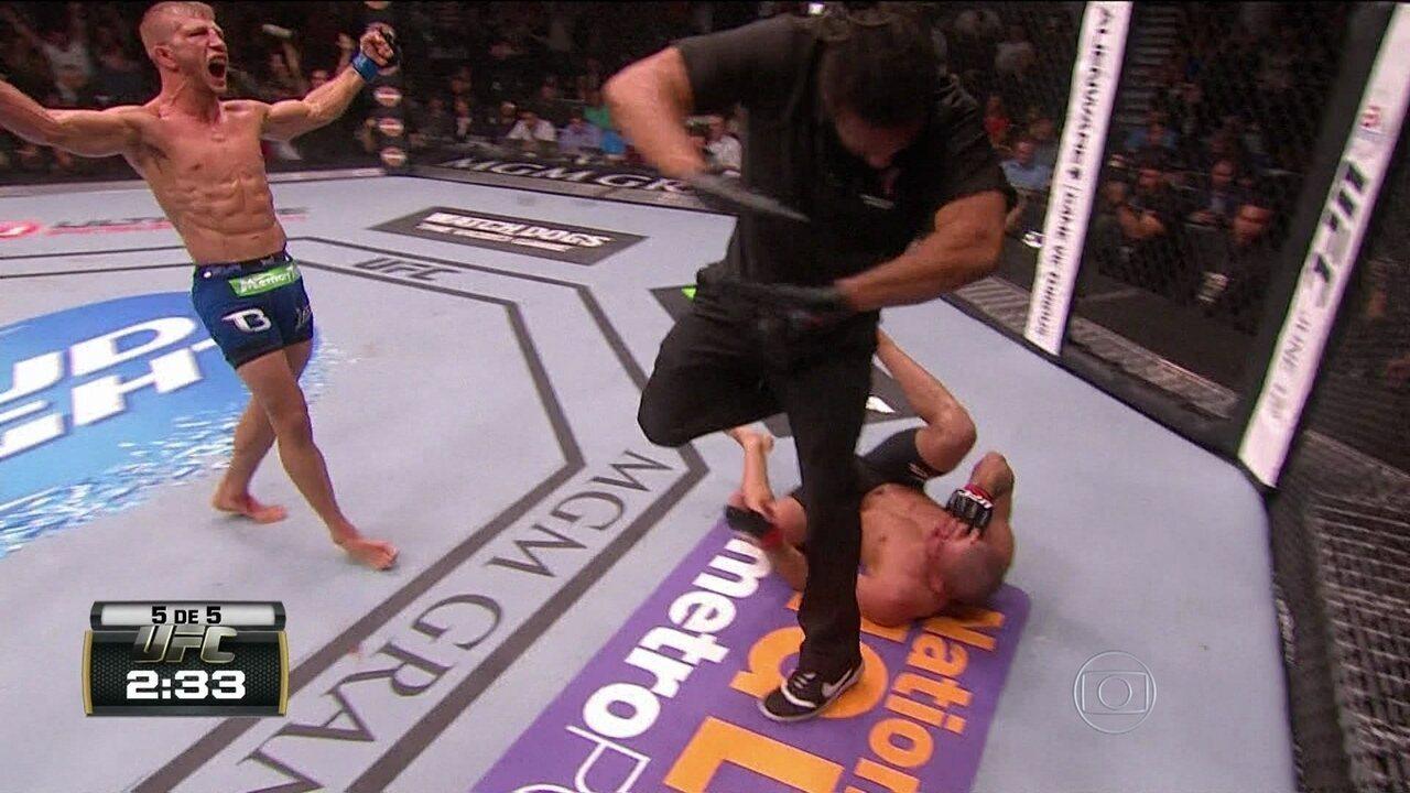 Renan Barão perde cinturão do peso-galo para americano TJ Dillashaw no UFC