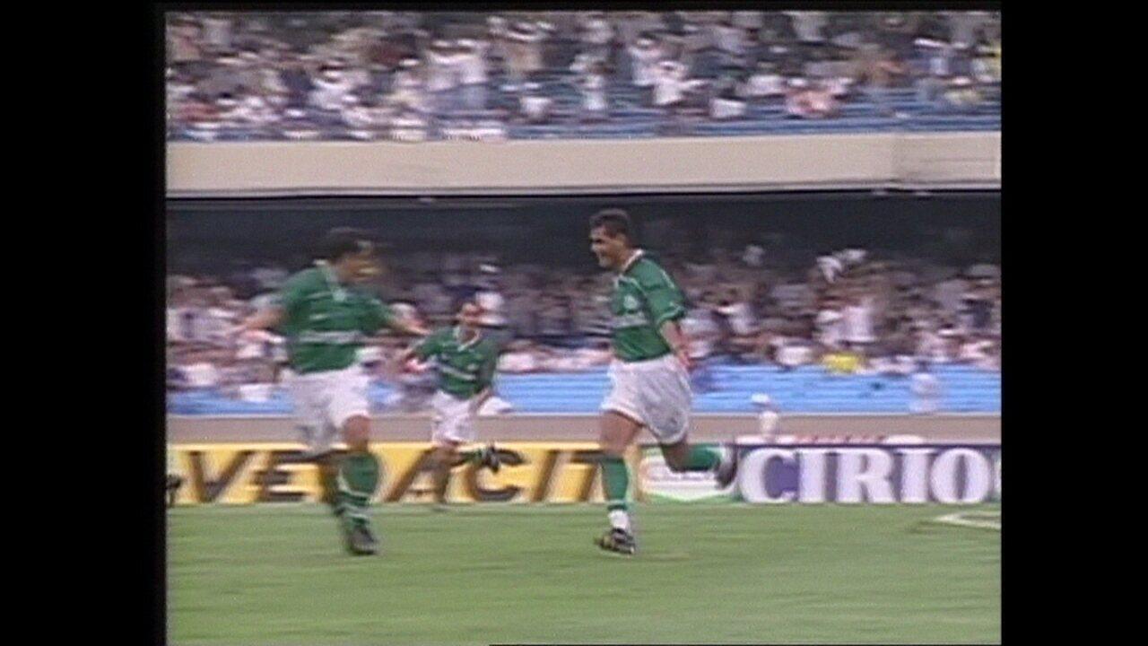 Em 1999, Palmeiras vence o Corinthians por 1 a 0 pela Taça Libertadores