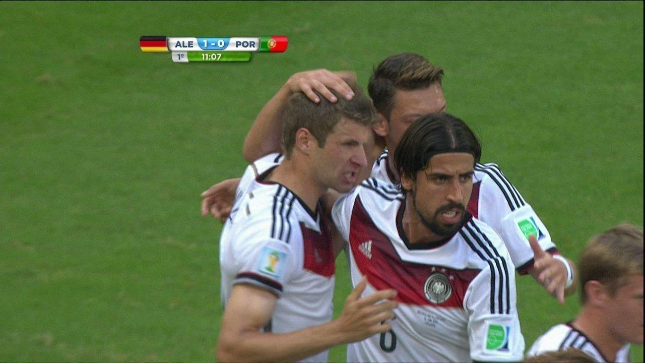 Gol da Alemanha! Mueller cobra pênalti e marca, aos 11 do 1º tempo