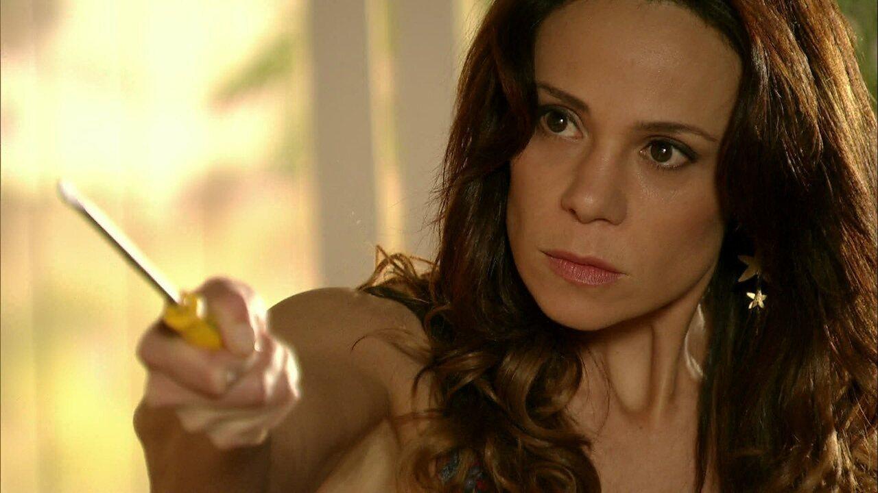 Em Família - Capítulo de segunda-feira, dia 23/06/2014, na íntegra - Juliana pega Jairo com outra