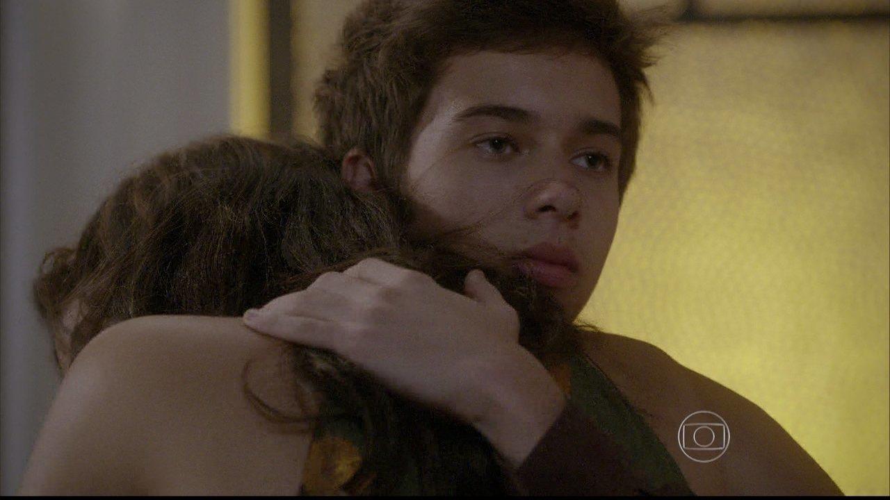 Malhação - capítulo de quarta-feira, dia 13/08/2014, na íntegra - Bianca confronta Gael e pergunta se Karina é filha de René