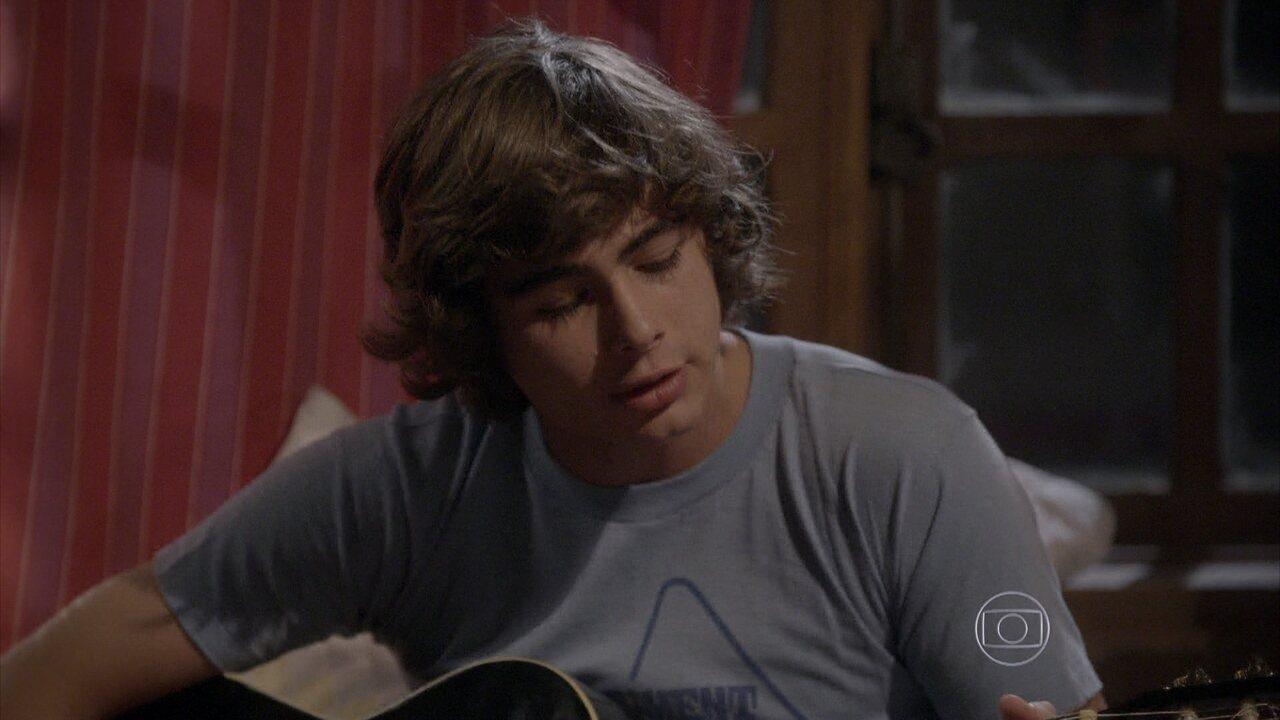Malhação - capítulo de quarta-feira, dia 17/09/2014, na íntegra - Pedro escreve uma música pensando em Karina