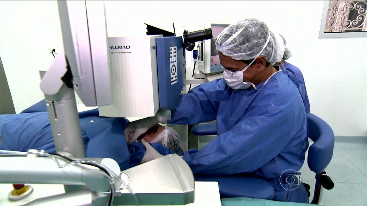 c3385faf9 Bem Estar | Acompanhe uma cirurgia de correção de visão com laser |  Globoplay