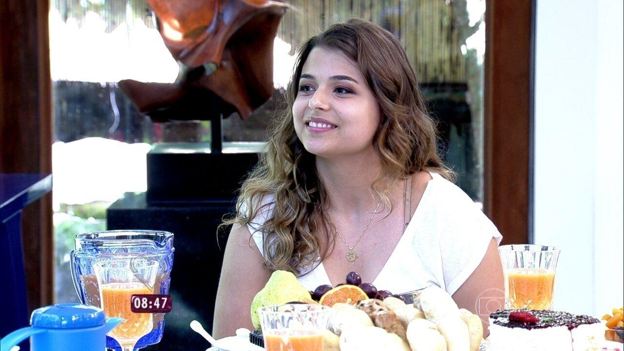 Ana Carolina, fã de Paula Fernandes, toma café com Ana Maria