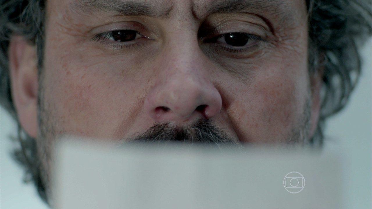 Império - capítulo de segunda-feira, dia 03/11/2014, na íntegra - José Alfredo encontra carta no túmulo de Sebastião