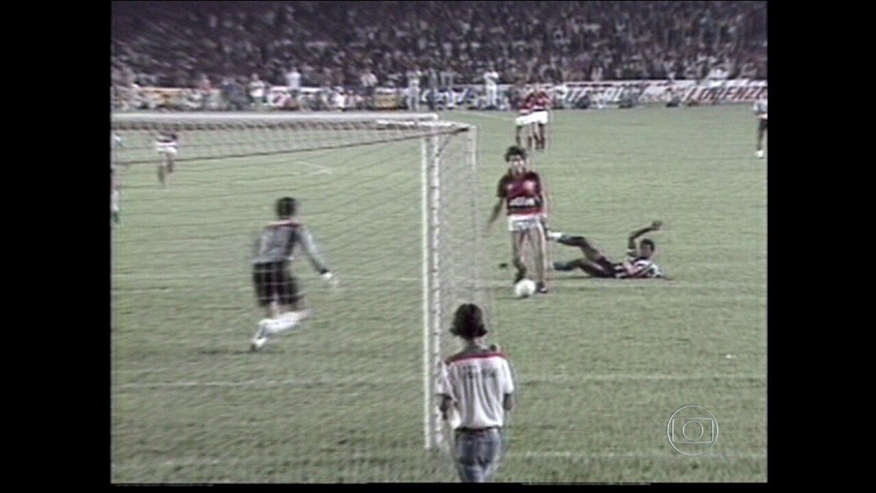 Baú do Esporte relembra Atlético-MG e Flamengo de 1987