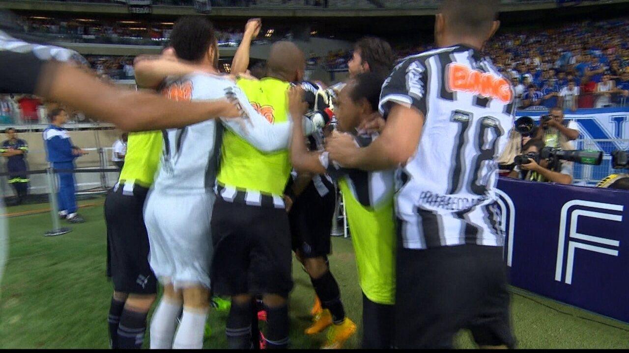 O gol de Cruzeiro 0 x 1 Atlético-MG pela final da Copa do Brasil 2014