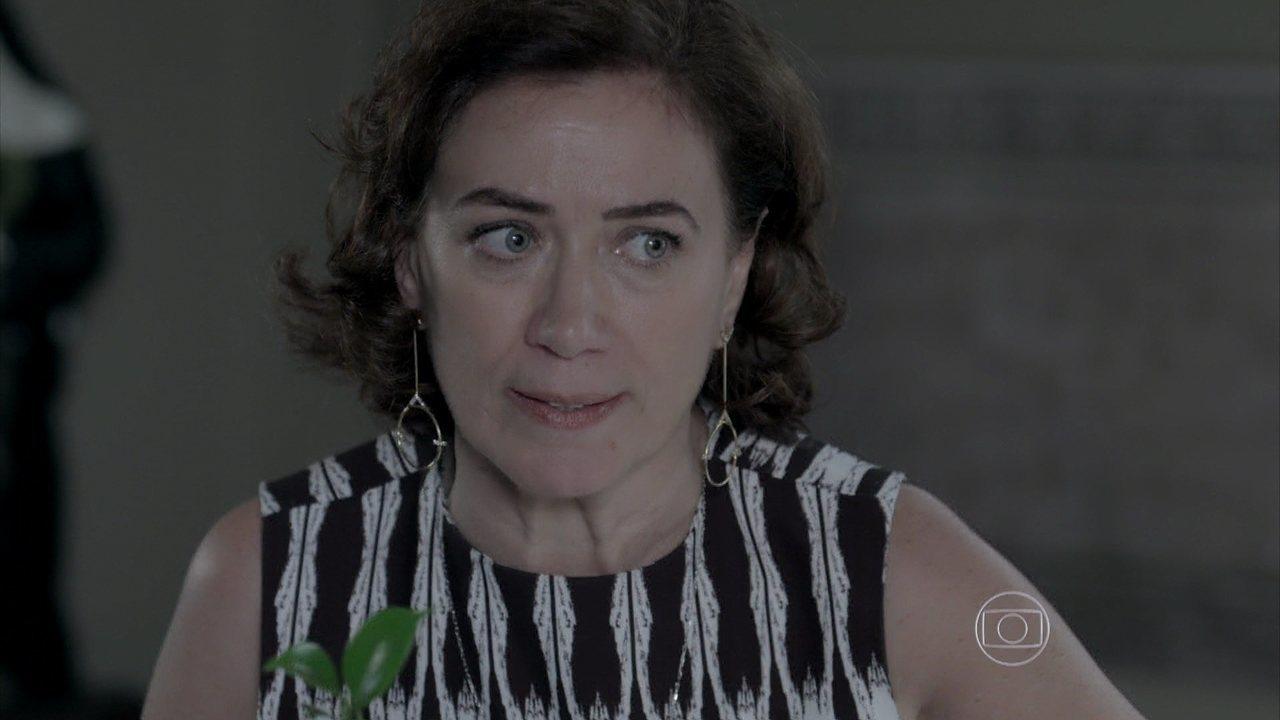 Império - capítulo de sábado, dia 27/12/2014, na íntregra - Maria Marta vê Cora com o anel de José Alfredo