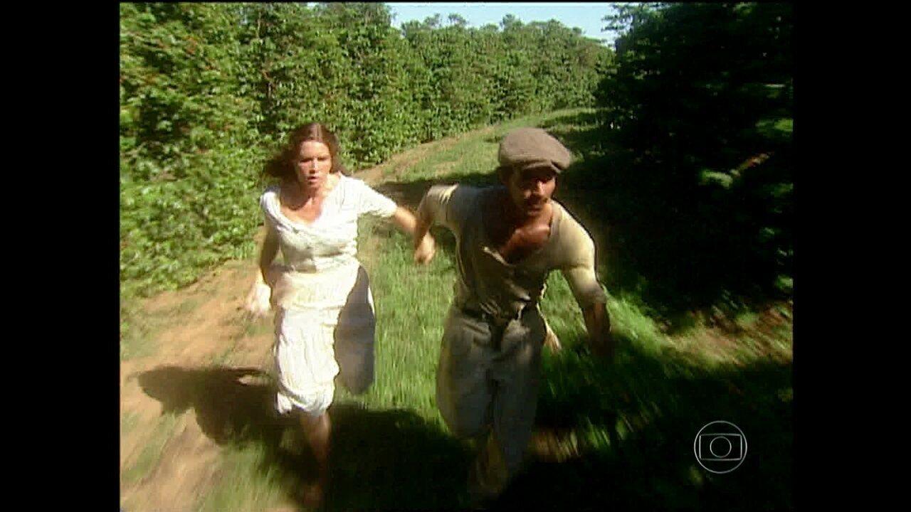 O Rei do Gado - capítulo de quinta-feira, dia 15/01/2015, na íntegra - Giovanna e Henrico conseguem fugir com a ajuda de Marieta