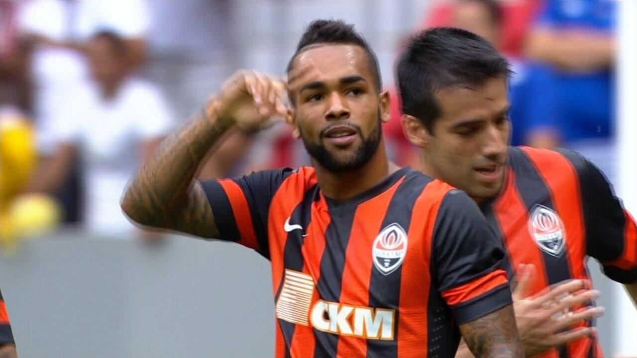 Veja gol de Alex Teixeira pelo Shakhtar em 2015