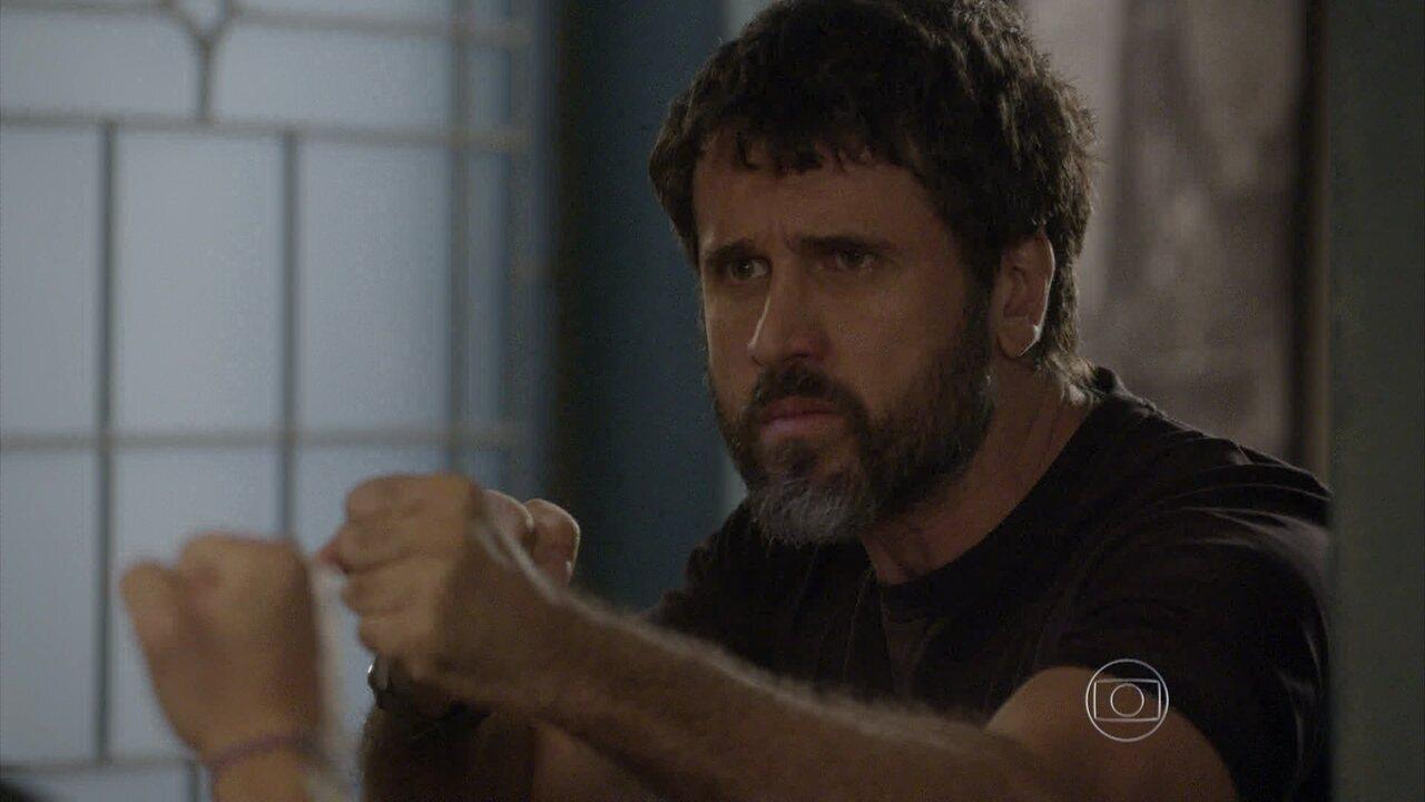 Malhação - capítulo de terça-feira, dia 10/03/15, na íntegra - Lobão e Gael decidem se unir para procurar Karina