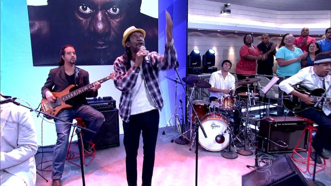 Luiz Melodia canta 'Papai do Céu' no Encontro