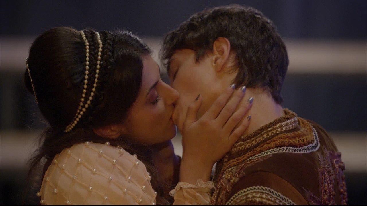 Malhação - capítulo de quarta-feira, dia 25/03/2015, na íntegra - Jade beija Henrique para provocar Cobra