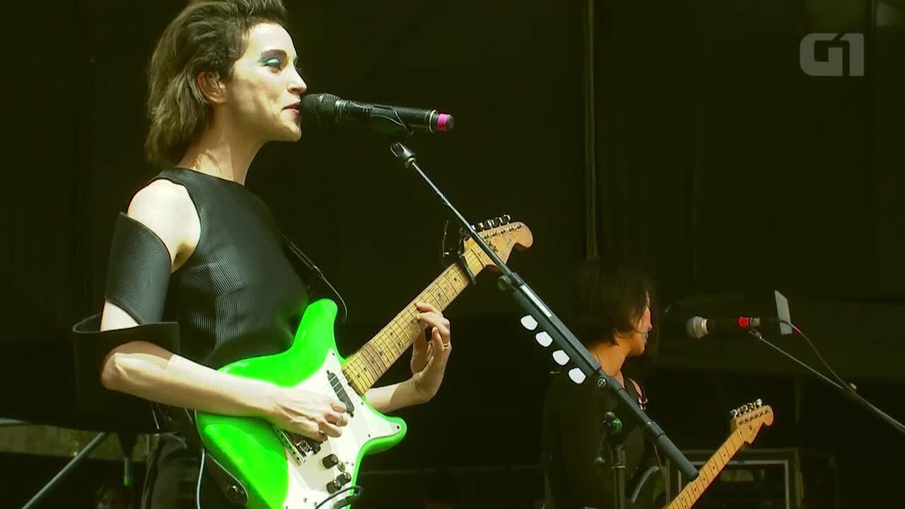 Veja trecho do show de St. Vincent no Lollapalooza Chile 2015