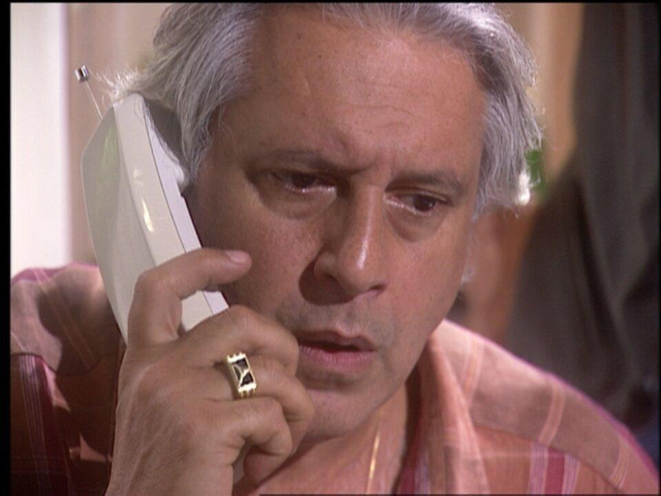 O Rei do Gado - capítulo de segunda-feira, dia 04/05/15, na íntegra - Bruno fica revoltado ao descobrir que Geremias comprou uma de suas fazendas