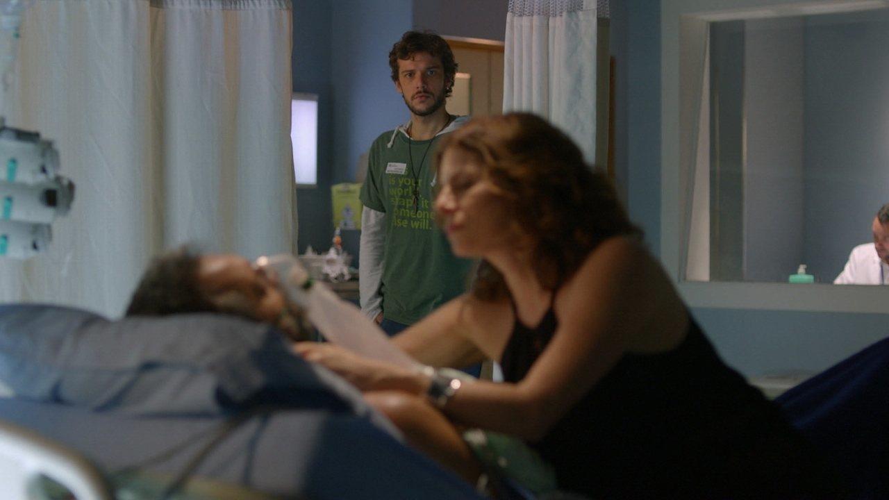 Sete Vidas - Capítulo de quinta-feira, dia 07/05/2015, na íntegra - Miguel tem mais uma complicação na cirurgia