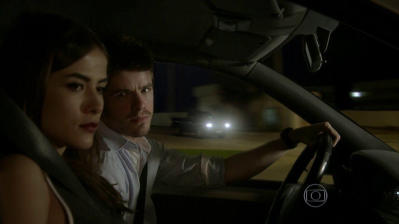 I Love Paraisópolis - capítulo de quarta-feira, dia 20/05/15, na íntegra - Margot e Benjamin sofrem um acidente de carro
