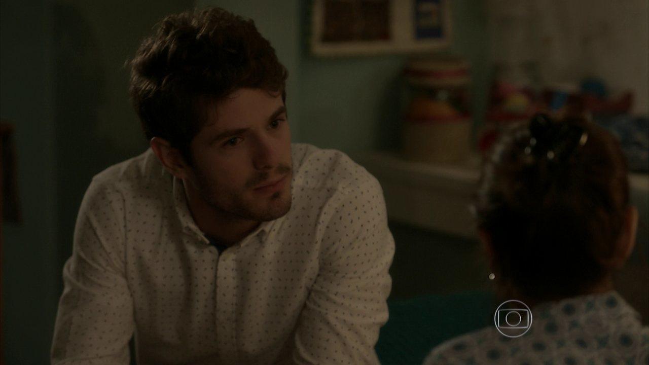 I Love Paraisópolis - capítulo de sexta-feira, dia 05/06/15, na íntegra - Benjamin revela a Eva que sabe que Mari é filha de Tomás