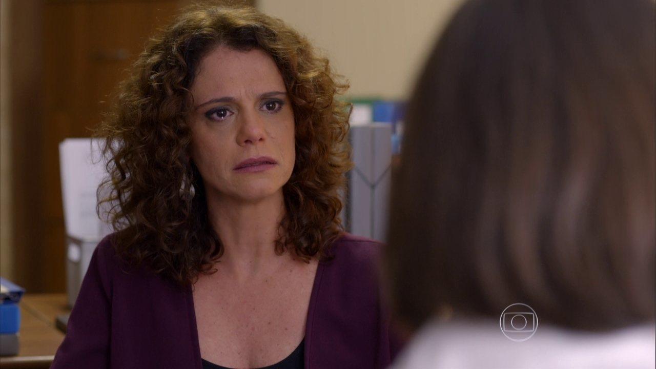 Sete Vidas - Capítulo de quarta-feira, dia 24/06/2015, na íntegra - Irene descobre que Diana não quer mais abrir mão de Dora