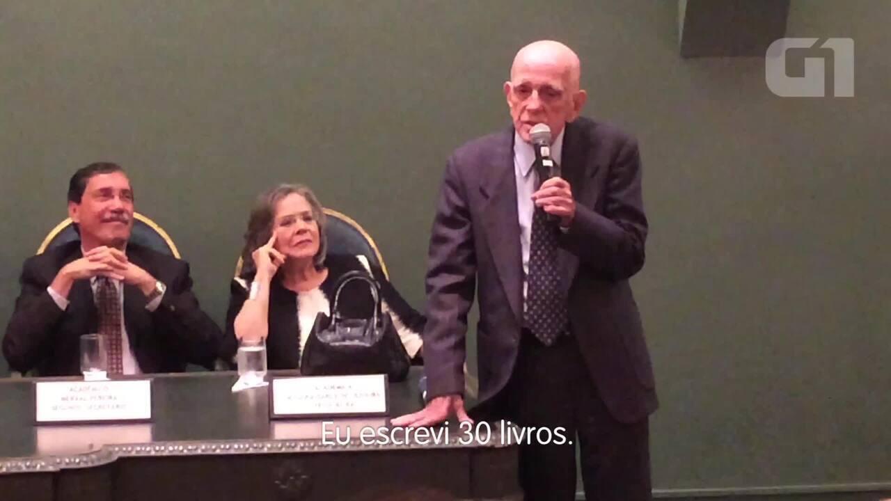 Rubem Fonseca recebe o Prêmio Machado de Assis da ABL