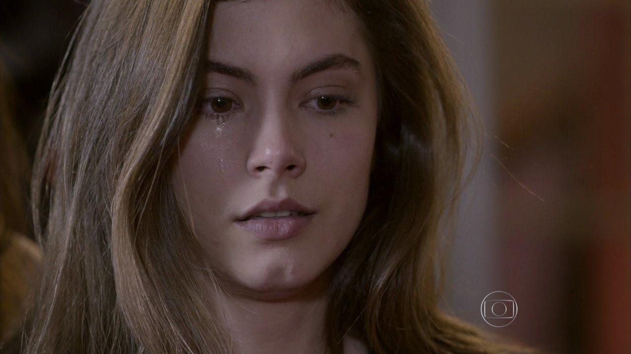 Malhação - capítulo de quinta-feira, dia 06/08/15, na íntegra - Nat beija Duca e Bianca vê tudo