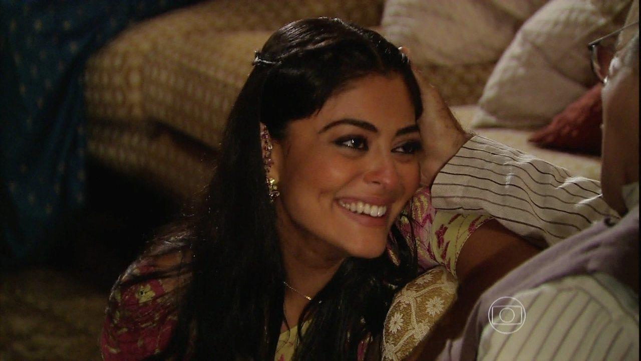 Caminho das Índias - capítulo de quinta-feira, dia 10/9/2015, na íntegra - Rani ameaça contar para a família de Maya que ela ainda se encontra com Bahuan