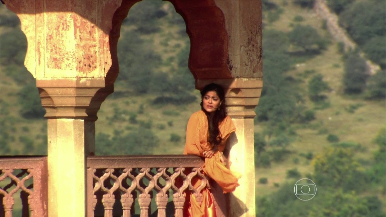 Caminho das Índias - capítulo de segunda-feira, dia 14/9/2015, na íntegra - Maya foge para se encontrar com Bahuan, mas ele viaja sozinho