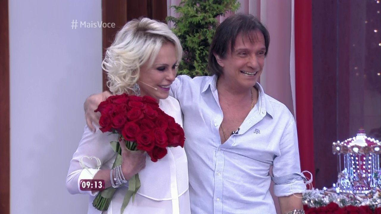 Ana Maria e Roberto Carlos se emocionam na Casa de Cristal