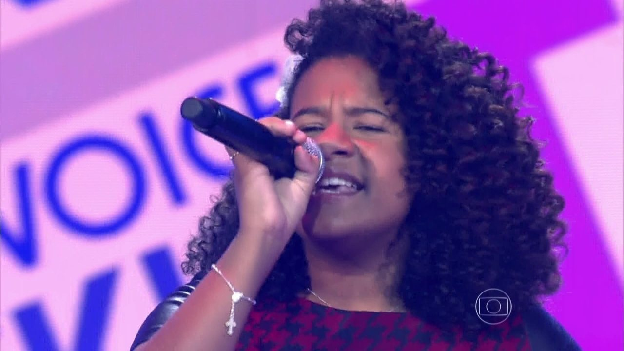 Bebé Salvego canta 'I can't give anything but love' na Audição do The Voice Kids