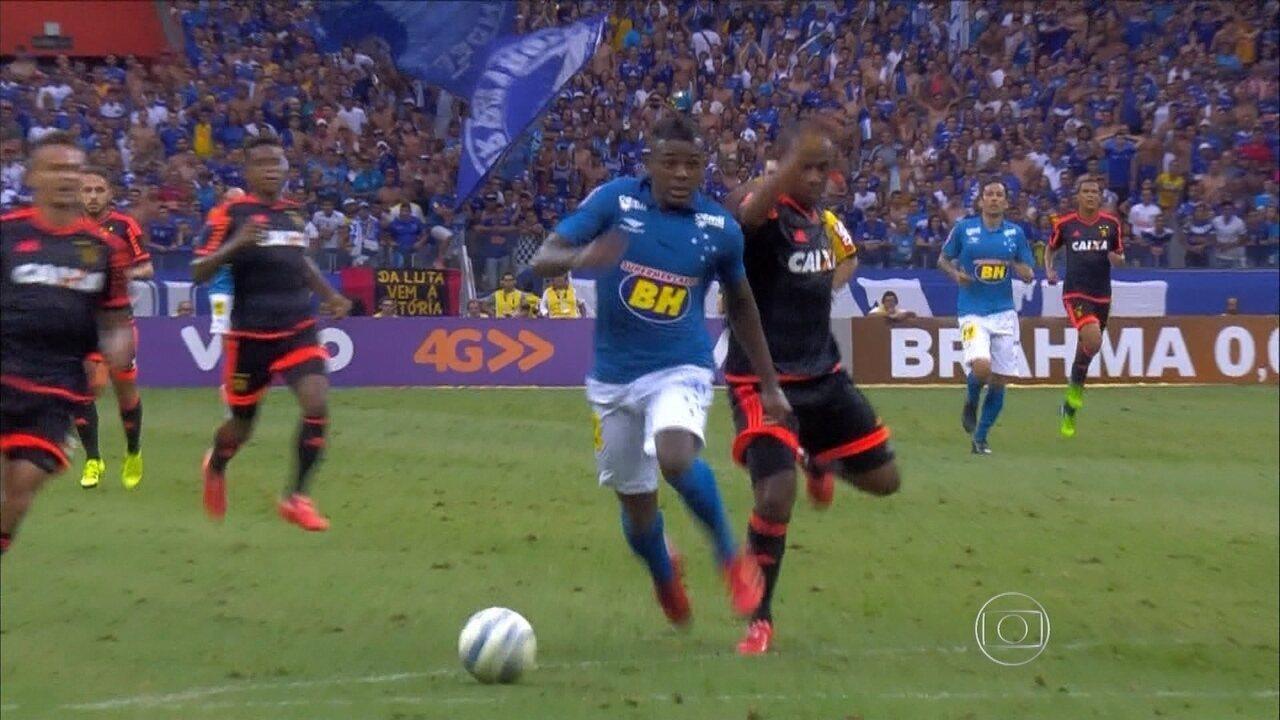 Movido a feijão  meia Marcos Vinícius usa receita caseira para se destacar  no Cruzeiro 6790696c63c1b